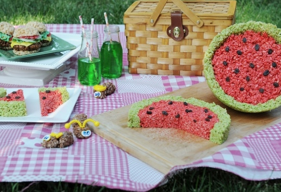Lots unique and fun rice krispie treat ideas!